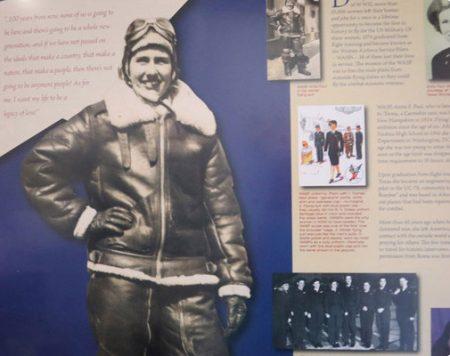 levensgrote foto of standee gemaakt van archief foto piloot