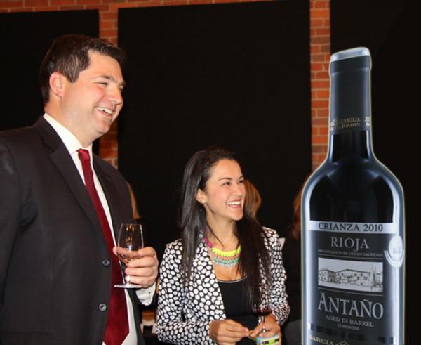 lifesizer standee toepassing - product - wijnfles op wijnbeurs