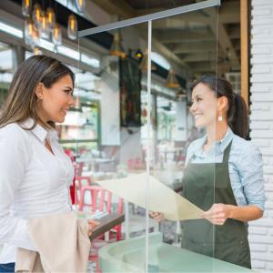 ViewRoll paroi de prévention comme séparation transparente dans un magasin