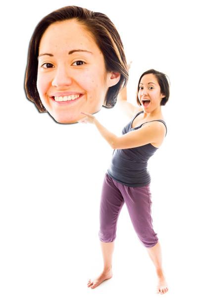 bigface super groot hoofd - vrouw met haar eigen hoofd uitvergroot